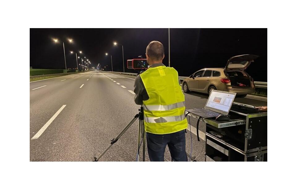 Comment mesurer la répartition de la luminance de l'éclairage routier ?